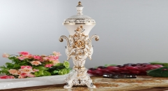 superior royal display porcelain art decoration, ivory ceramic on-glazed double ears trophy